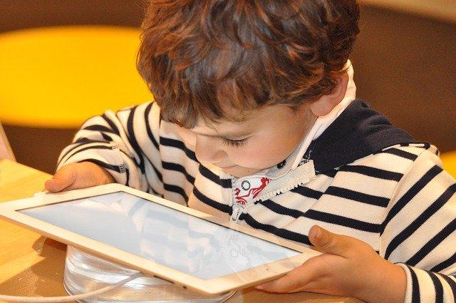 bezpieczeństwo w internecie dla dzieci
